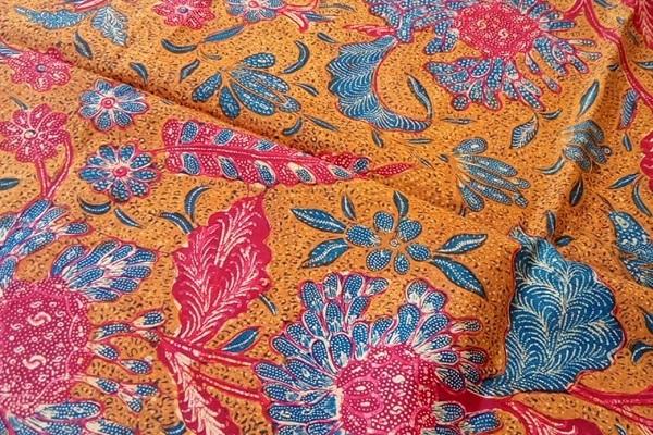 Tilik Uniknya Pembuatan Batik Tiga Negeri