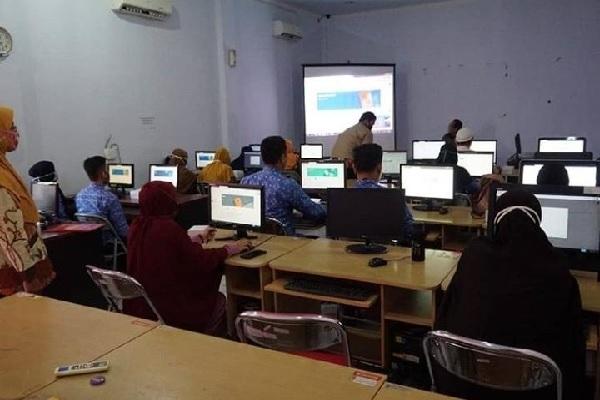 Dongkrak Kreativitas PJJ, Guru SD Pekalongan Belajar Google Classroom