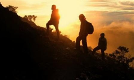 Pendaki asal Solo Terpeleset di Gunung Sindoro