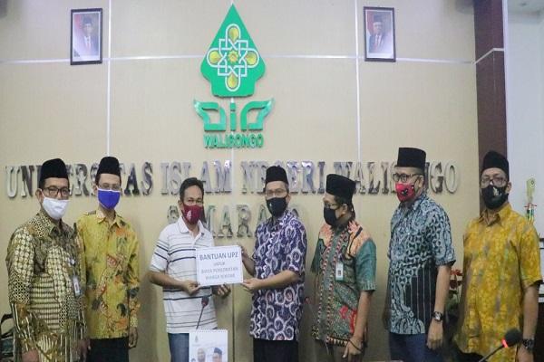 UIN Walisongo Semarang Salurkan Zakat Mal untuk UKT Mahasiswa