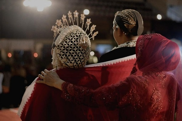 Mengenal Sindur, Kain Khas Prosesi Pernikahan Jawa