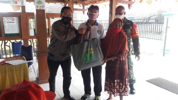 Semen Gresik Salurkan Puluhan Juta Rupiah Hasil Zakat Karyawan di 2 Kabupaten di Jateng