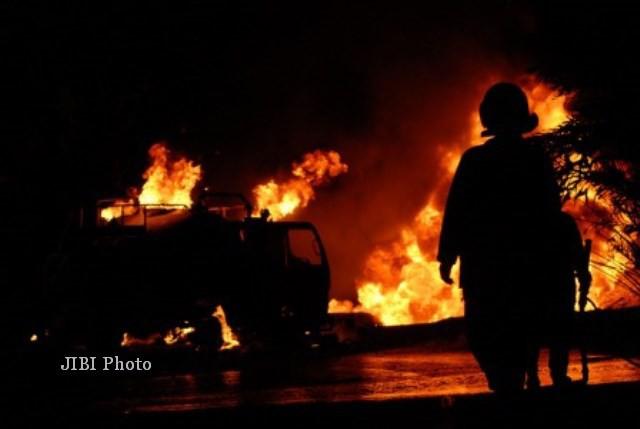 Gudang Polytron di Demak Kebakaran, Petugas Sulit Padamkan Api