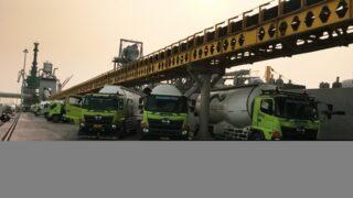 Pemuatan produk Semen Gresik melalui Pelabuhan KBS Cigading, Banten. (Istimewa)