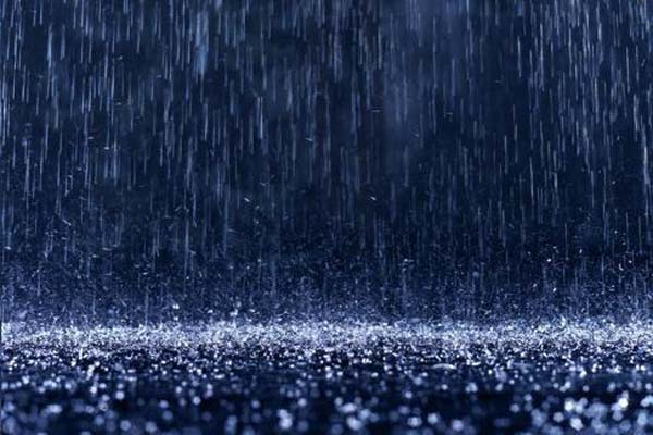 Waspada! Cuaca Ekstrem Disertai Hujan Es Intai Jateng