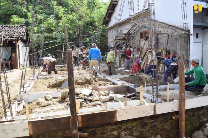 Hore, Kementerian PUPR Bedah 300 Rumah Warga Demak