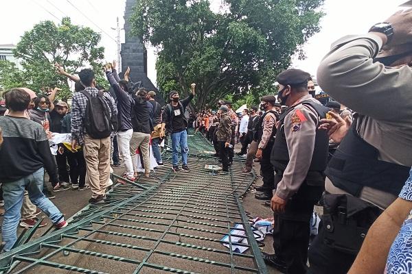 Gubernur Jateng Mengaku Sudah Kantongi Draf Final UU Cipta Kerja