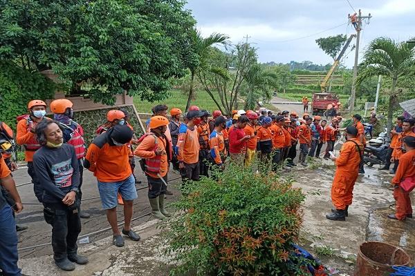 Dua Pemotor Terseret Banjir Bandang di Kendal Ditemukan, Begini Kondisinya…