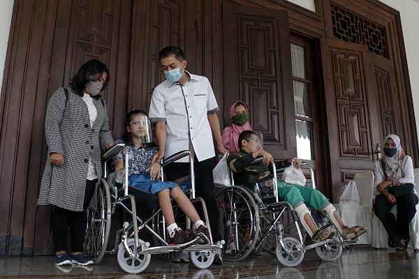 Hari Disabilitas Internasional, Salatiga Berikan 10 Kursi Roda untuk Difabel