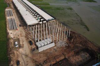 Sebagai bagian dari SIG, Semen Gresik mendukung percepatan pembangunan tol Semarang - Demak dengan produk unggulan Ultra Pro serta produk semen ramah lingkungan (green cement) Power Pro. (Istimewa/Semen Gresik)