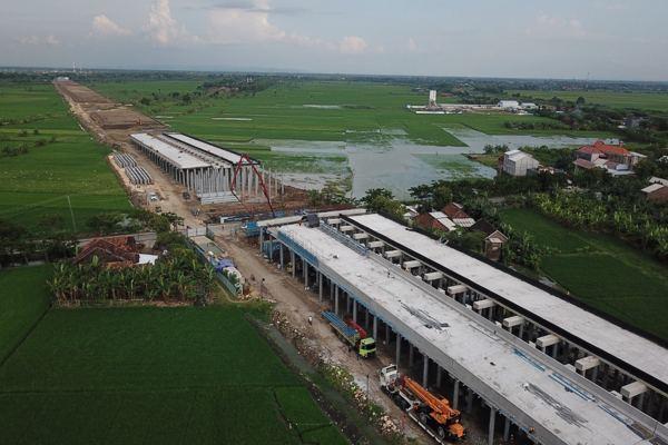 Semen Gresik Pasok Produk Unggulan untuk Pembangunan Tol Semarang-Demak