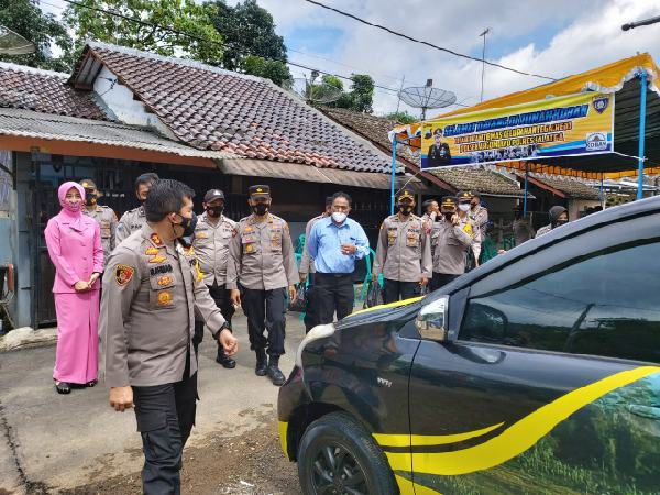 Kasus Covid-19 Melonjak, Bhabinkamtibmas di Salatiga Ubah Mobil Pribadi Jadi Ambulans