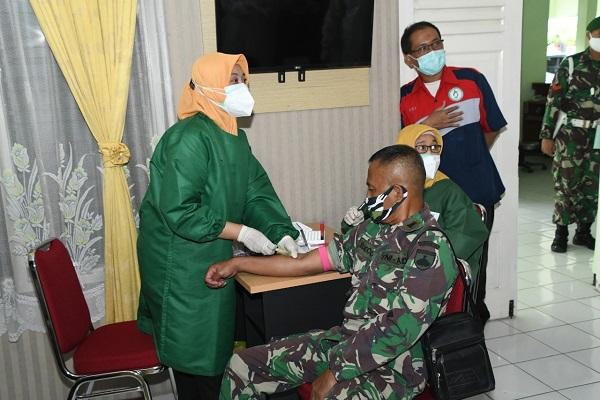 Inspiratif, Prajurit TNI Kodam Donorkan Plasma Darah untuk Pasien Covid-19