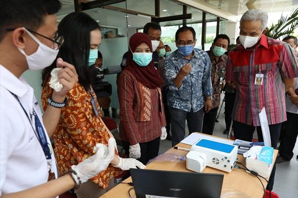 Gubernur Ganjar Minta UGM Percepat Produksi Massal GeNose