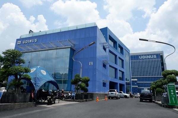 Udinus Semarang Pertahankan Predikat Terbaik se-Jateng