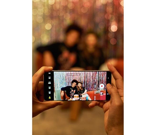 Segera Coba Fitur di Kamera Samsung Galaxy S21+ 5G yang Bikin Kamu Lebih Ekspresif
