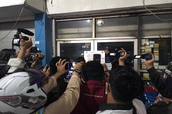 Langgar Aturan PPKM, Sejumlah Toko di Semarang Ditutup