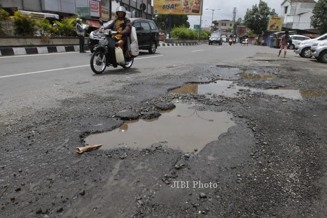 12 Ruas Jalan Milik Provinsi Jateng Rusak, Panjang Mencapai 75 Km