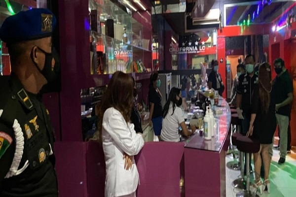 Sebulan Lebih PPKM, Sejumlah Kafe di Semarang Masih Langgar Jam Operasional