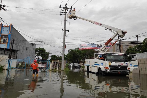 Pasca-Banjir, Aliran Listrik PLN di Kota Semarang Sudah Pulih 100%