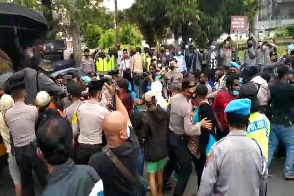 Demo Otsus Papua di Semarang Dibubarkan Polisi