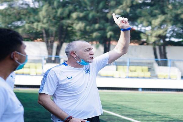 Kali Perdana Latih Pemain, Pelatih PSIS: Kita Main Enjoy di Piala Menpora 2021