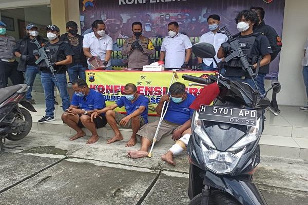 Dor! Pelaku Perampokan Uang Toko Emas Semar Nusantara di Semarang Ditembak