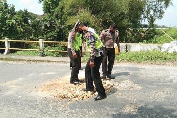 Satlantas Polres Grobogan Tutup Jeglongan Sewu, Ini Tujuannya…