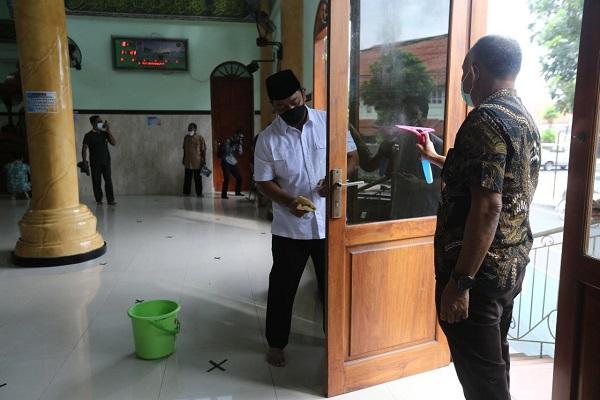 Bulan Puasa, Wali Kota Semarang Kembali Gencarkan Gerakan Jarik Masjid