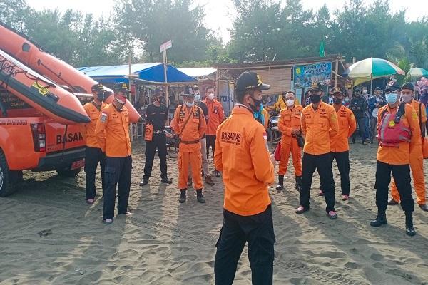 Asyik Berenang, Siswa SD di Cilacap Terseret Ombak Pantai Sodong