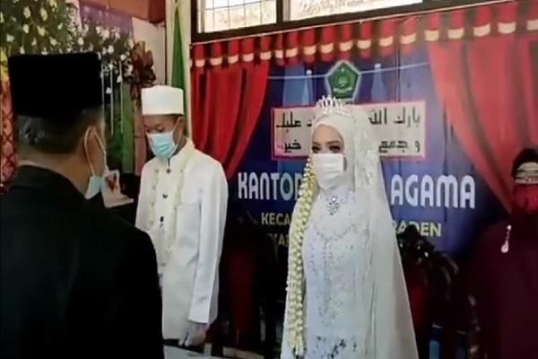 Hari Kebangkitan Nasional, Pasangan Pengantin di Banyumas Tunda Akad Nikah Demi Nyanyi Lagu Indonesia Raya
