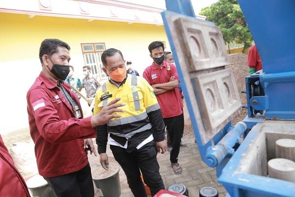 Dukung Dinas ESDM Jateng, SG Terjunkan Pemateri Ajarkan Pembuatan Produk Inovatif Bata Interlock