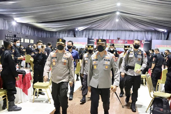 Polisi Latih Ratusan Senkom di Jateng Jadi Tracer Covid-19