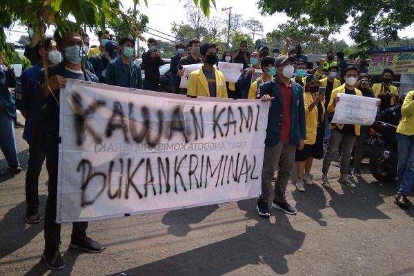 4 Mahasiswa Semarang Pendemo Omnibus Law Divonis Bersalah