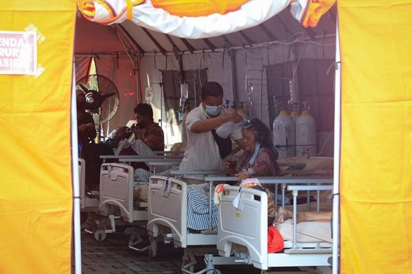 Pasien Covid-19 Membeludak, RSUD Tugurejo Semarang Dirikan Tenda Darurat