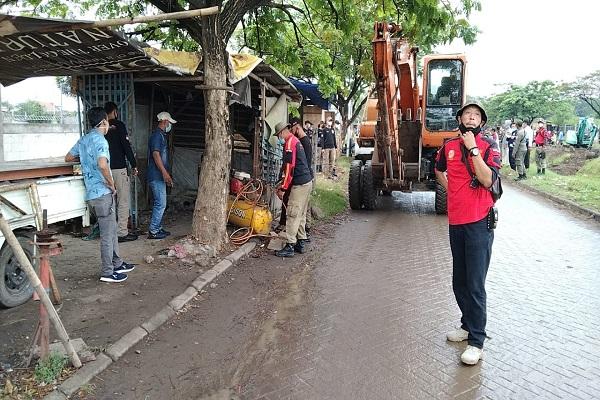 Tempati Lahan MAJT, 14 Bangunan Milik Pedagang Dirobohkan