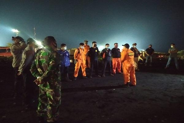 Jaring Tersangkut, Nelayan di Jepara Tersapu Ombak