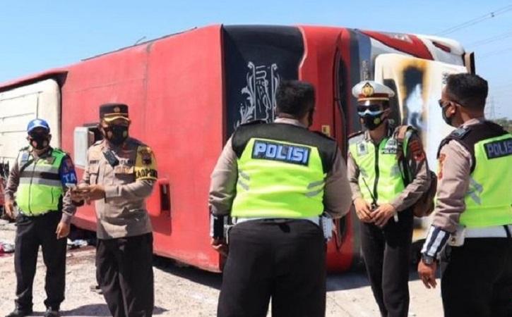 Kecelakaan Maut Bus di Tol Pemalang, 7 Orang Meninggal