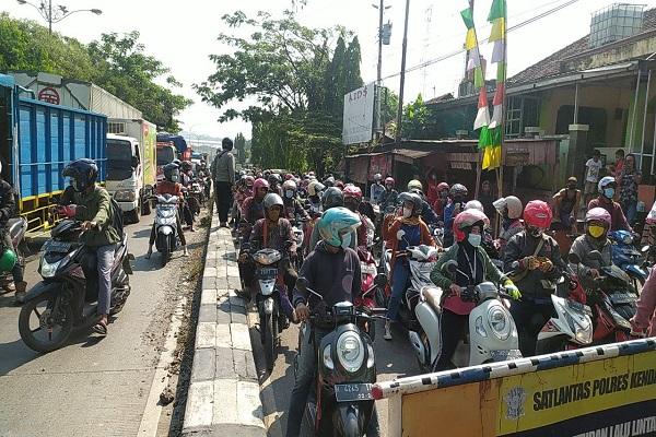 Imbas PPKM Darurat, 1.096 Kendaraan dari Kendal ke Semarang Dipaksa Putar Balik